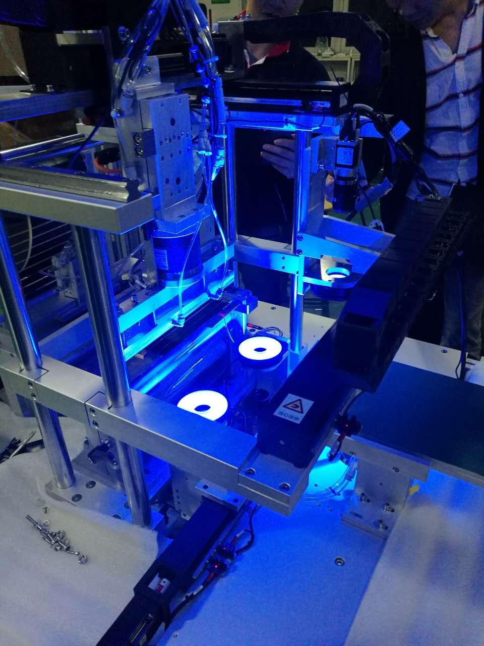 CCD视觉系统(手机背光源定位贴合)-机器视觉_视觉检测设备_3D视觉_缺陷检测