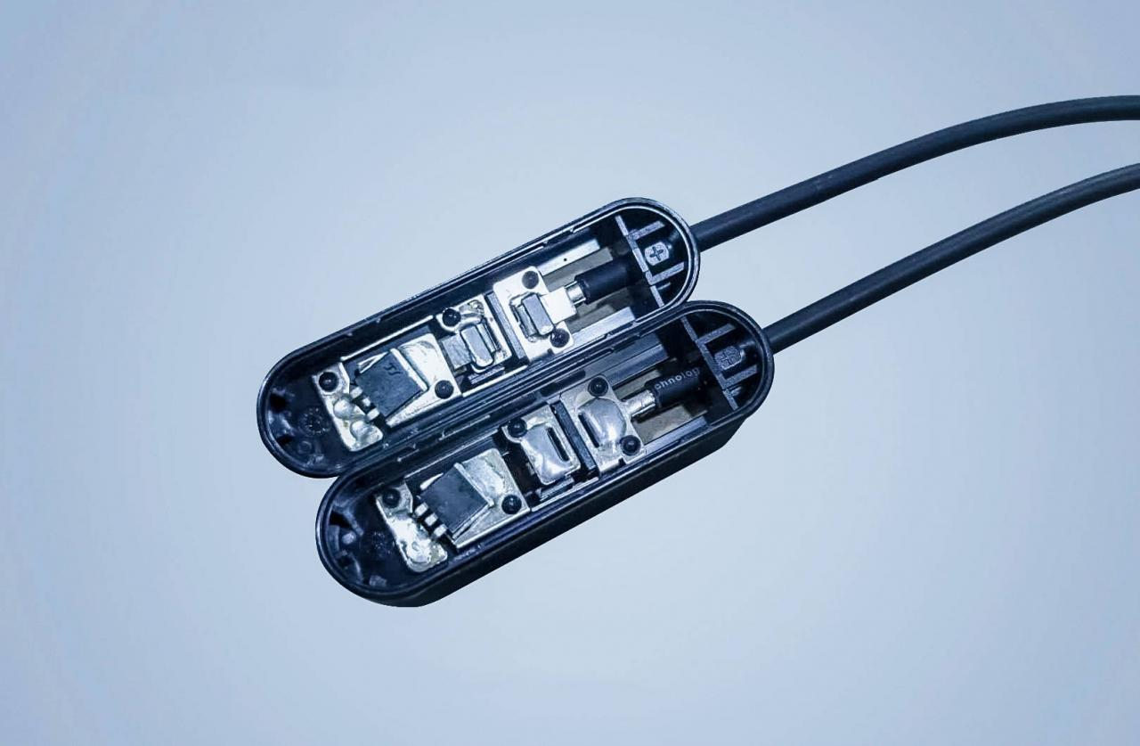 光伏接线盒焊接视觉定位检测系统方案-机器视觉_视觉检测设备_3D视觉_缺陷检测